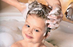 otkuda u detej v golove berutsya vshi i kak s nimi borotsya 2 300x193 - Откуда берутся вши у детей на голове в волосах и как от них избавиться?